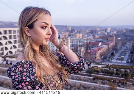Pretty Young Woman In The City, Portrait Of A Woman In The City, Portrait Of A Sexy Woman, Portrait