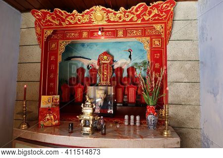 Hoi An, Vietnam, March 8, 2021: Altar With Red And Gold Decoration In A Taoist Temple In Hoi An, Vie