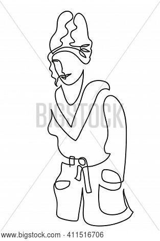 One Line Drawing Of Relaxed Woman In Bathrobe. One Continuous Line Drawing Of Relaxed Woman In Bathr