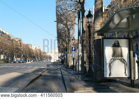 Paris, France. March 07. 2021. Perspective On The Avenue Des Champs-elysées With The Monument Of The