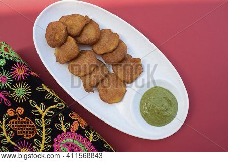Farali Bhajiya Made From Fasting Batter Of Amaranth, Buckwheat, Chestnut Flour. Also Known As Rajgir