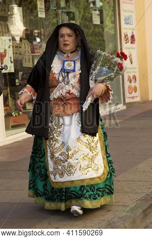 Murcia, Spain, 17 April 2017. Spring Festival In Murcia. Procession In National Costumes On Streets