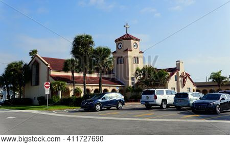 Madeira Beach, Florida, U.s - February 18, 2021 - The Church By The Sea, With A Steeple That Resembl