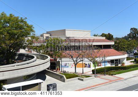 IRVINE, CALIFORNIA - 16 APRIL 2020: Watson Bridge and restaurants at University Center, adjacent to the University of California Irvine, UCI.