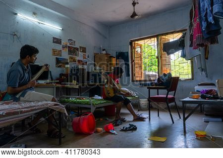 Howrah,west Bengal,india- 22nd April 2019 : Engineering Students Singing And Enjoying At Hostel Room
