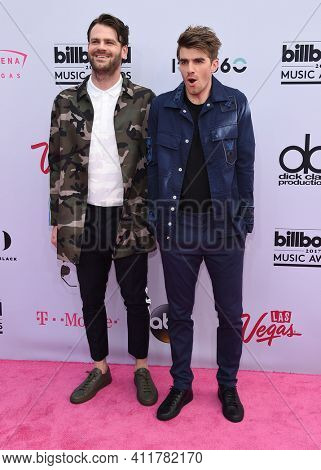 LOS ANGELES - MAY 21:  The Chainsmokers arrives for  2017 Billboard Music Awards on May 21, 2017 in Las Vegas, NV