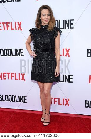 LOS ANGELES - MAY 24:  Linda Cardellini arrives for  the 'Bloodline' Season 3 Premiere on May 24, 2017 in Culver City, CA
