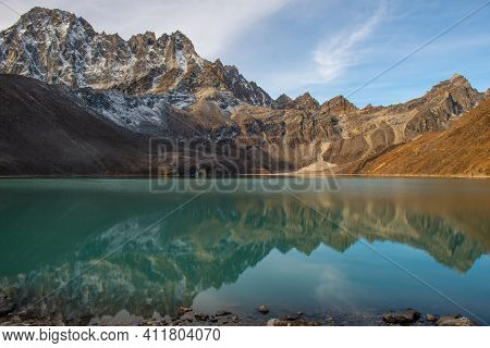 Beautiful Reflection Of The Mountains On Gokyo Lakes In Gokyo Village, Nepal. Gokyo Lakes Are The Wo