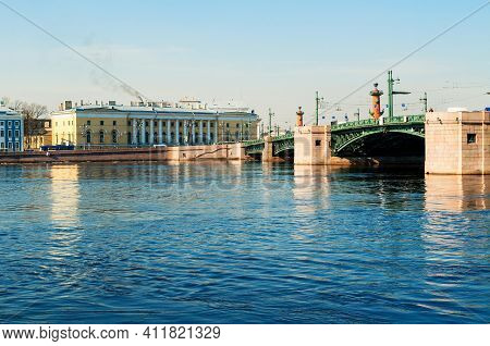 St Petersburg, Russia - April 5, 2019. The Neva River, Palace Bridge And Zoological Museum In St Pet