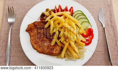 Spaghetti With Tomato Sauce French Fries Tasty And Delicious Chips Finger Chips Fresh And Healthy Fo