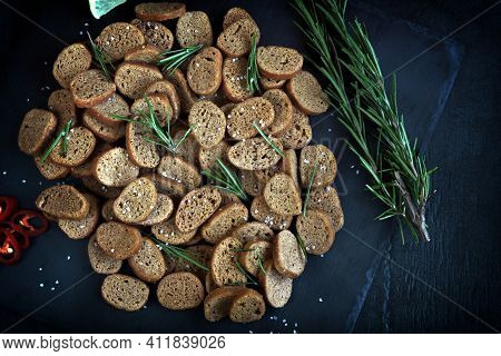 Rye Croutons With Rosemary And Spices. Healthy Snack. Homemade Croutons. Beer Snack.