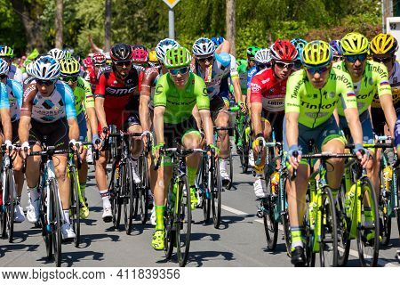 Beuningen, The Netherlands - May 7, 2016: Cyclists During The Second Stage Of Giro D'italia 2016.