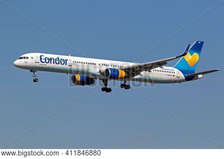 Condor (thomas Cook) Boeing 757 Passenger Plane Arriving At Frankfurt Airport.. Germany - September