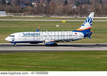 Sunexpress Boeing 737 Passenger Plane Taxiing After Landing At Dusseldorf Airport. Germany - Februar