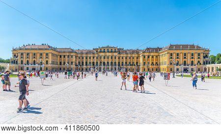 Vienna, Austria - 23 July, 2019: Schonbrunn Palace, German: Schloss Schonbrunn. Pamoramic View Of Co