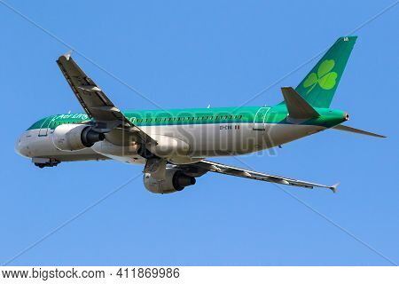 Amsterdam, The Netherlands - Jan 9, 2019: Aer Lingus Airbus A320 Passenger Plane Taking Off From Ams