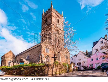 Dartmouth, Uk - April 21 2014: View Of St. Saviour's Church, On Anzac St, In The Lower Town. It Is A