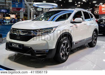 Brussels - Jan 9, 2020: New 2020 Honda Cr-v Hybrid Car Model Presented At The Brussels Autosalon 202