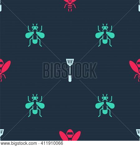 Set Bee, Fly Swatter And Insect Fly On Seamless Pattern. Vector