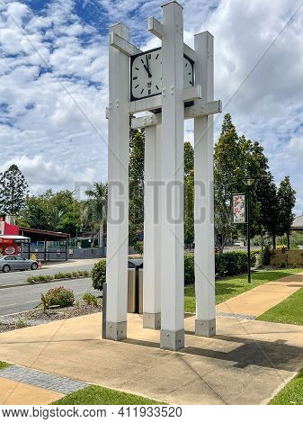 Gin Gin, Australia - February 28, 2021: The Clock Tower Located In The Park In The Central Landscape