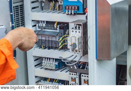 Engineers Are Checking The Operation Of The Control Panel, Solar Panel Adjustment System According T