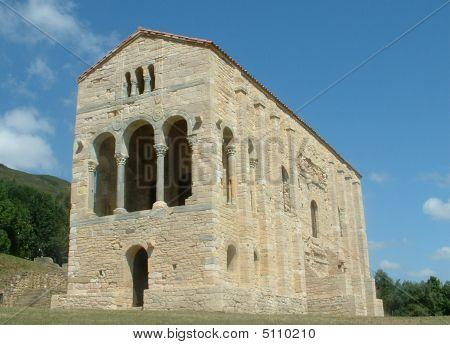 Santa Maria Del Naranco