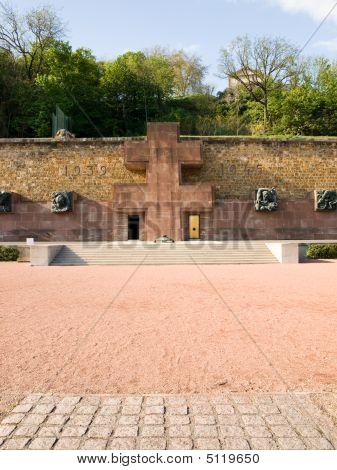 Fighting France Memorial, Mont-valerien