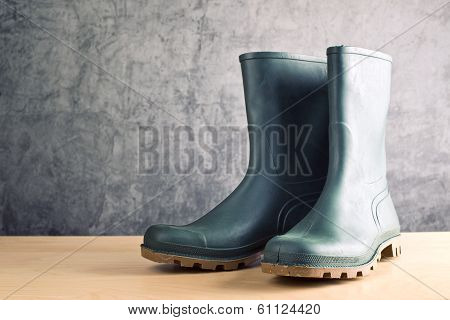 Green Ruber Boots For Garden Work