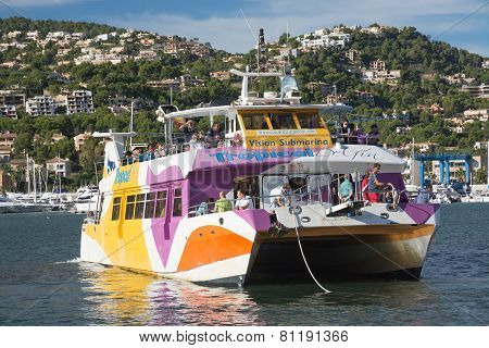 Glass Bottom Boat In Puerto Andratx