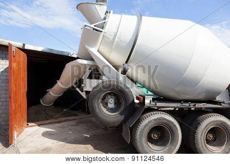 Cement Mixer Truck Transport