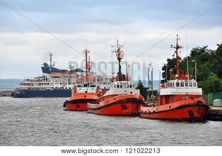 three red ships