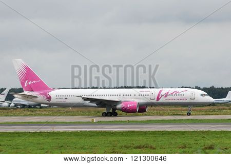 Jet Aircraft Boeing-757-200