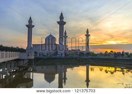 SELANGOR, MALAYSIA - FEBRUARY 04, 2016 : Tengku Ampuan Jemaah Mosque Blue Hour Bukit Jelutong Shah Alam Malaysia.