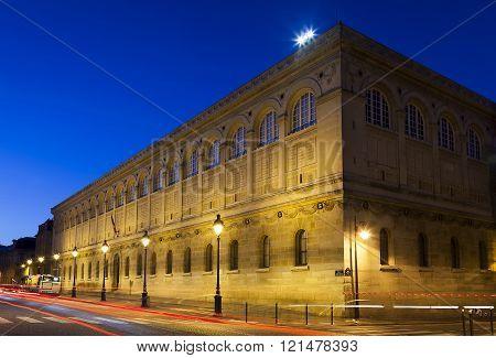 Universite of La Sorbonne Paris Ile-de-france France ** Note: Visible grain at 100%, best at smaller sizes