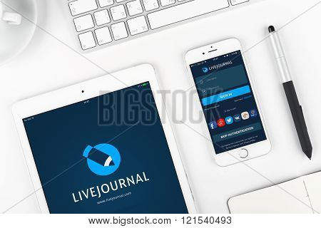 Livejourna on display of iPad and iPhone