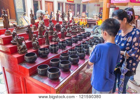 Unidentified people at Wat Leng Nei Yee Chinese temple