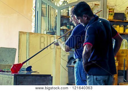 Glassworkers In Action In The Murano Glassfactory 1