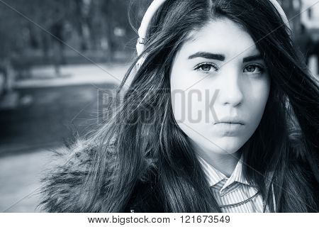Outdoor Close Up Portrait Of A Pretty Teenage Girl