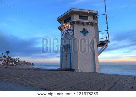 Sunset view of Main Beach in Laguna Beach