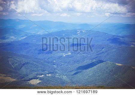 Mountain ranges many