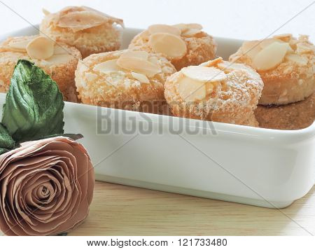 Eponge, Sponge Balls Filled With Raspberry Jam Covered With Sliced Almonds