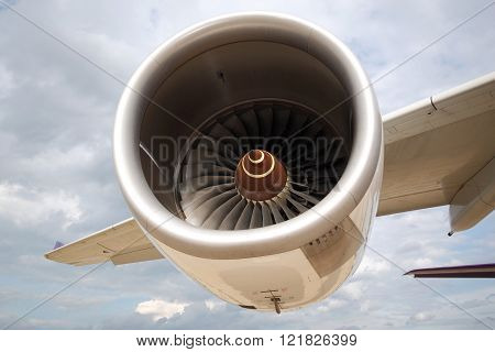 Turbo fan engine thrust of commercial airplane