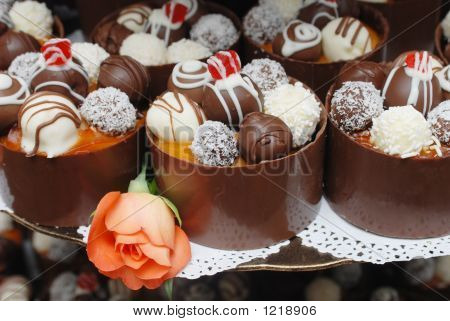 Beautiful Miniature Wedding Cakes.