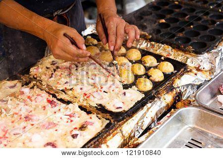 Cooking of tako yaki