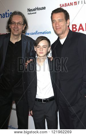 LOS ANGELES - MAR 15: Bob Nelson, Jaeden Lieberher, Clive Owen at the premiere of Saban Films' 'The Confirmation' at NeueHaus on March 15, 2016 in Los Angeles, California