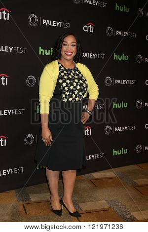 LOS ANGELES - MAR 15:  Shonda Rhimes at the PaleyFest Los Angeles - Scandal at the Dolby Theater on March 15, 2016 in Los Angeles, CA