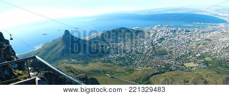 VIEW FROM THE TOP OF TABLE MOUNTAIN, LOOKING TOWARDS LIONS HEAD,  SIGNAL HILL AND THE CITY OF CAPE TOWN, SOUTH AFRICA