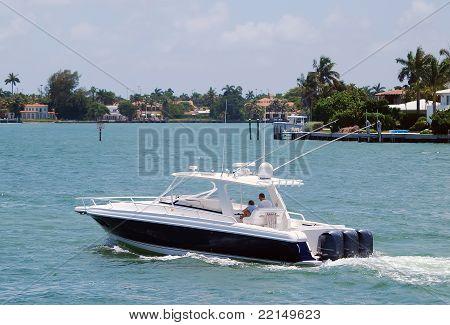 Fishingboat on the Intercoastal