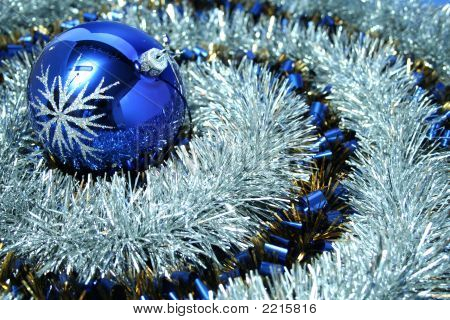 Christmas Glass Sphere With A Pattern 6