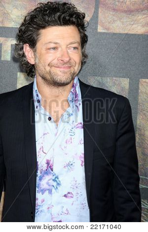LOS ANGELES - JUL 28:  Andy Serkis arriving at the